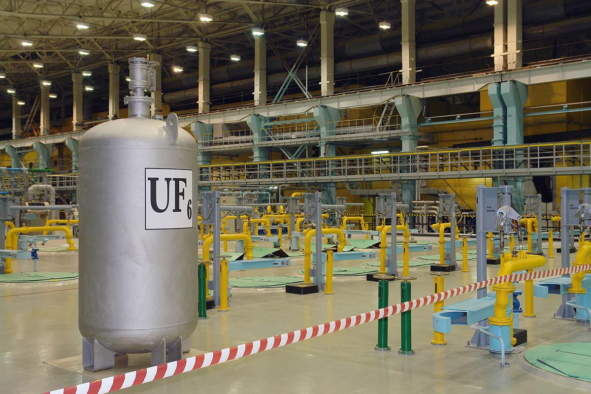Ученые СПбПУ разработали технологию переработки токсичных отходов