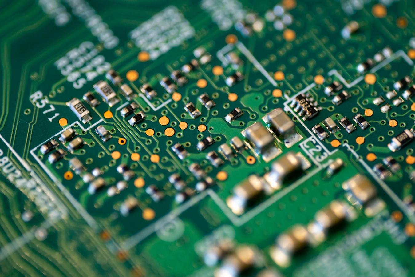 Политехники работают над созданием мельчайшего наноэлектронного устройства